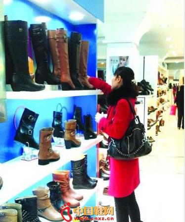 资讯生活商场冬靴打完折价格仍过千 网购代购渐热